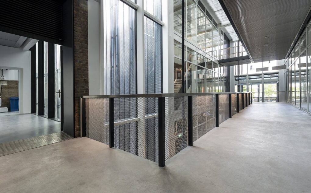 Safe open balustrades